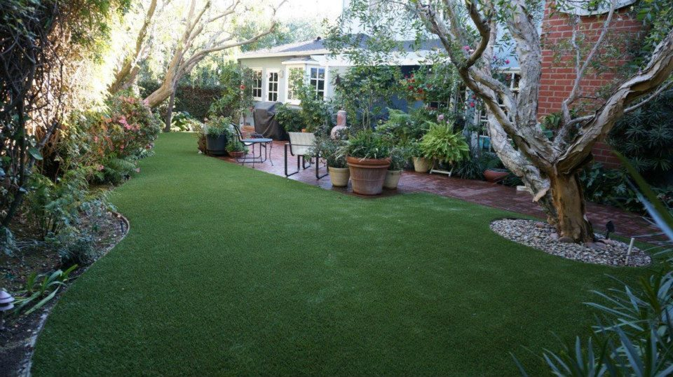 Artificial Grass Eliminates Need for Toxic Lawn Pesticides and Fertilizers
